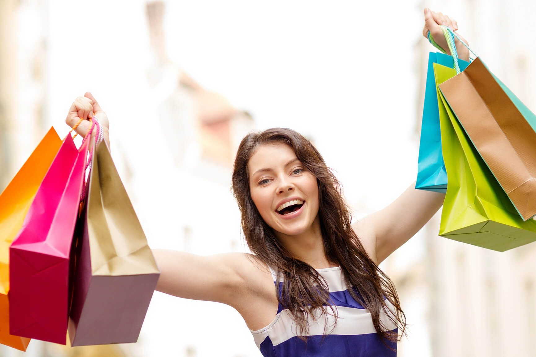 A female tourist who has shopped at the clothing boutiques at the Jan Thiel Beach.